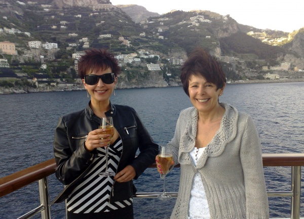 With Ma Bassey On A Delightful Yacht In The Bay Of Naples, 007 Event